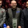Стюарт Бинхэм празднует победу на Welsh Open 2017