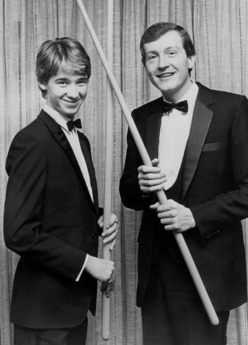 Стивен Хендри (слева) и Стив Девис