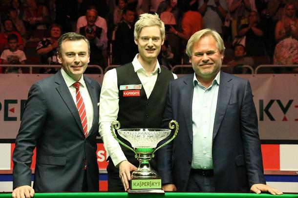 Джейсон Фергюсон, Нил Робертсон и Евгений Касперский (фото: World Snooker)