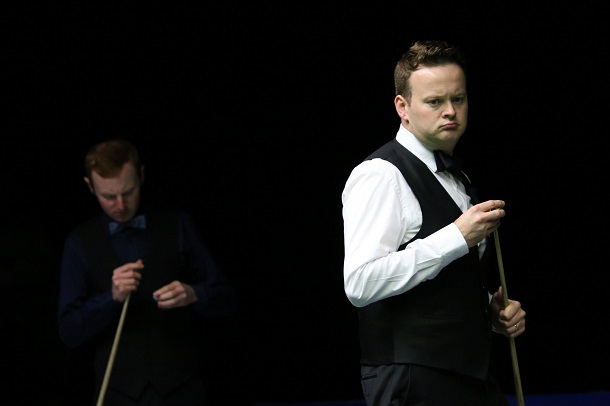 Энтони МакГилл (на заднем плане) и Шон Мерфи (фото: World Snooker)